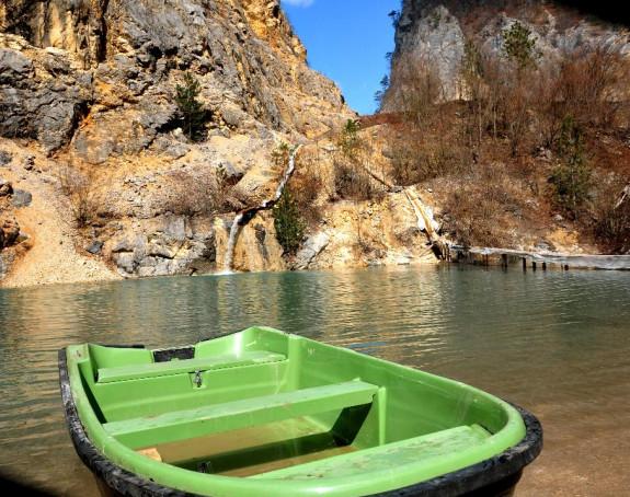 Dragulj prirode: Biser jezera iznad manastira Dobrun