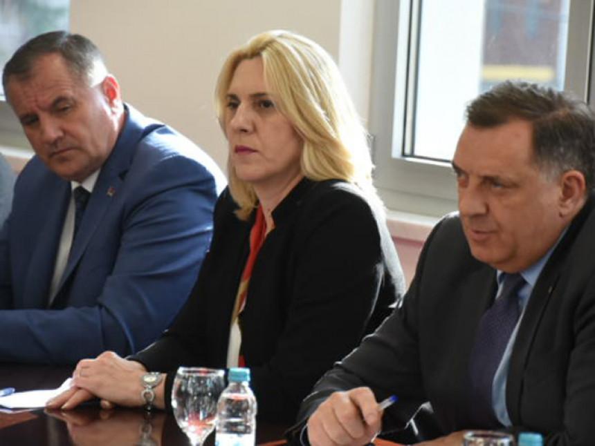 Ljekarima u UKC-u Banjaluka plate smanjene 300 KM