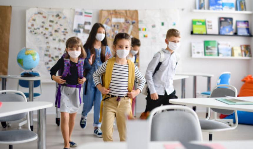 Još nije vrijeme da djeca idu u školske klupe!