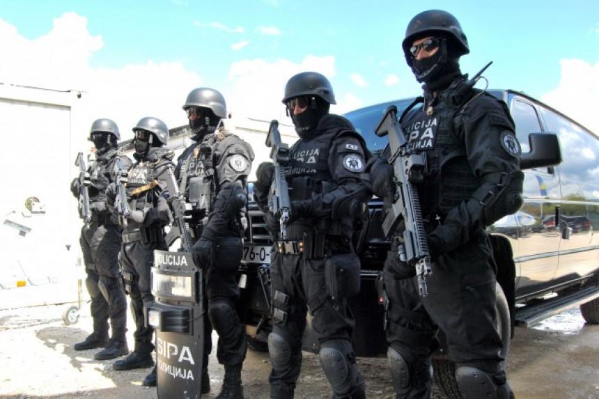 СИПА претреса на више локација, пет лица ухапшено