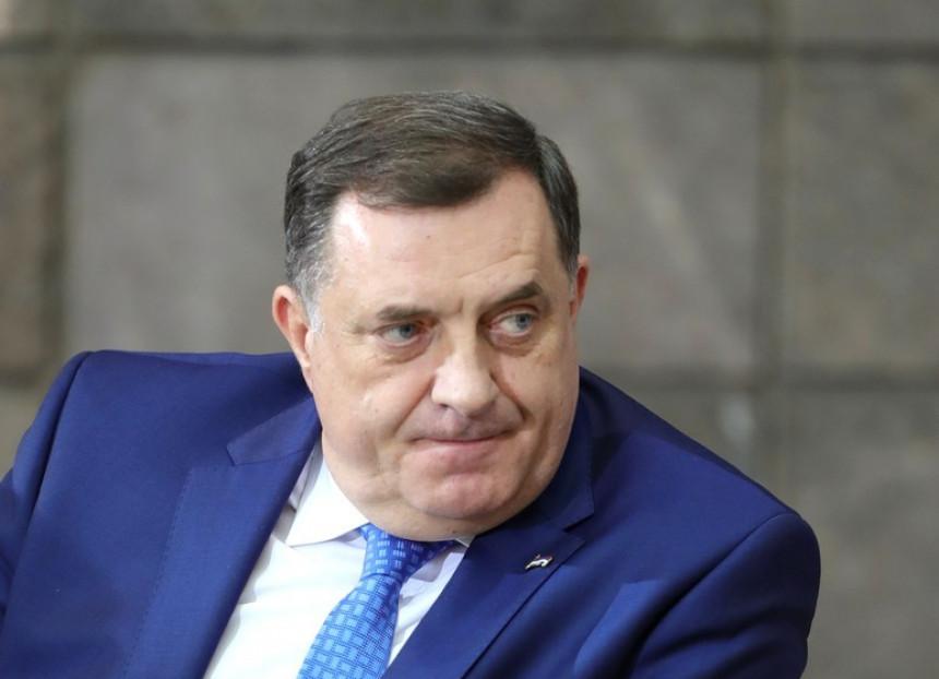 """""""Dodik neskriveni diktator, ima paničan strah od gubitka vlasti"""""""
