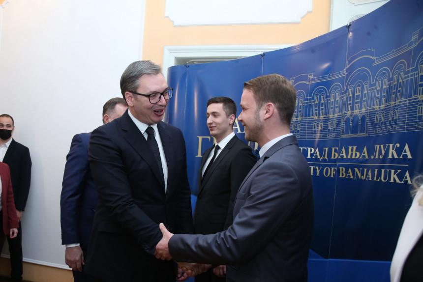 Predsjednik Srbije poručio: Čast je biti Banjalučanin!