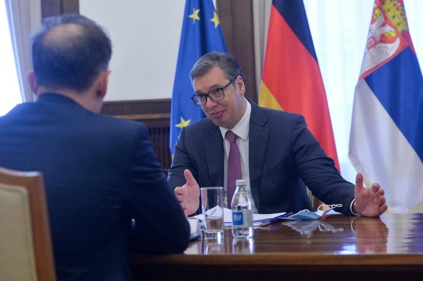 Vučić sa Masom o Kosovu i Metohiji i stanju u regionu