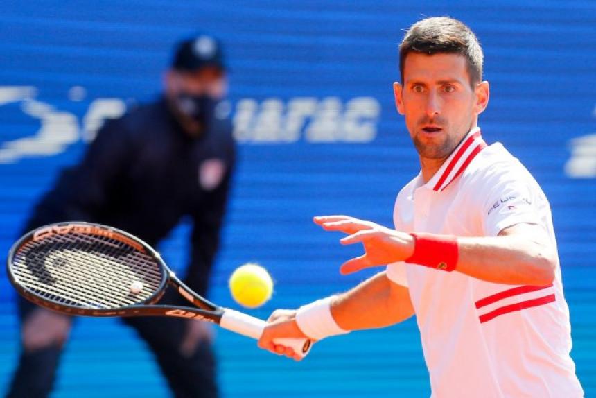 Novak bolji od Kecmanovića za polufinale