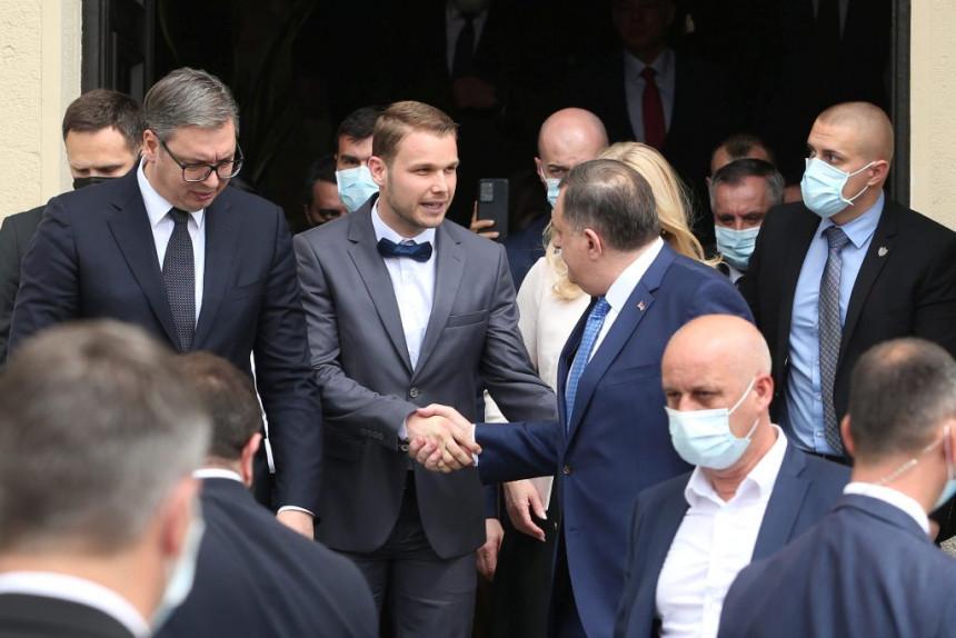 Narod sve manje vjeruje SNSD-u: Stanivuković poželjniji od Dodika