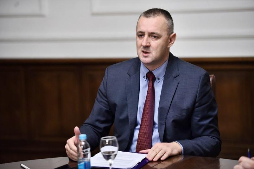 Viškoviću, narodu je dosta priča, laži i obećanja!