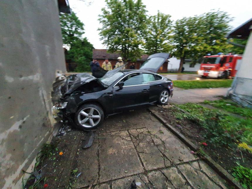 Automobilom udario u zid kuće, vozač povrijeđen (FOTO)
