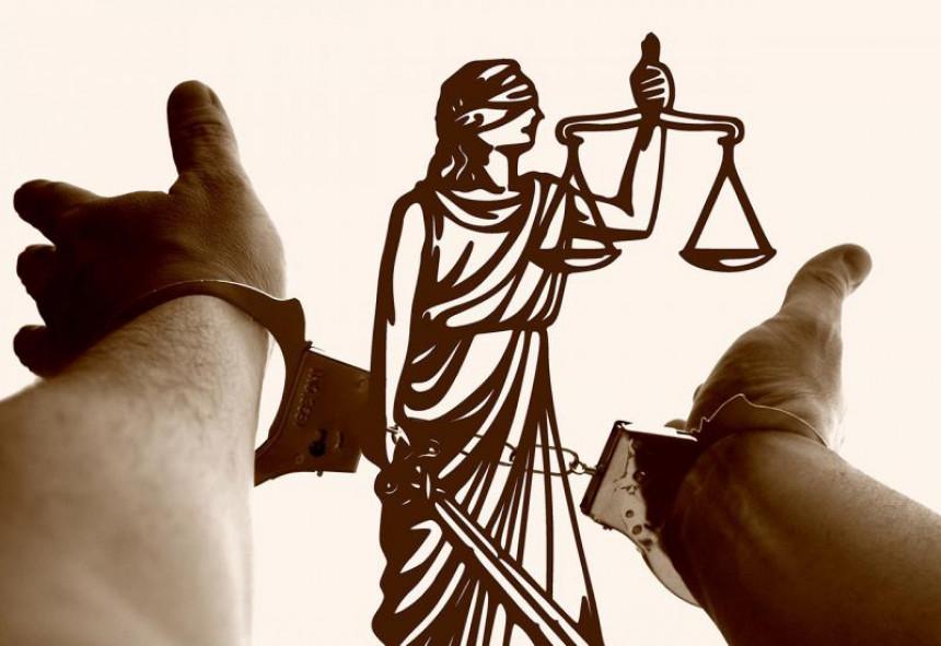 Ko to tamo kontroliše pravosuđe?