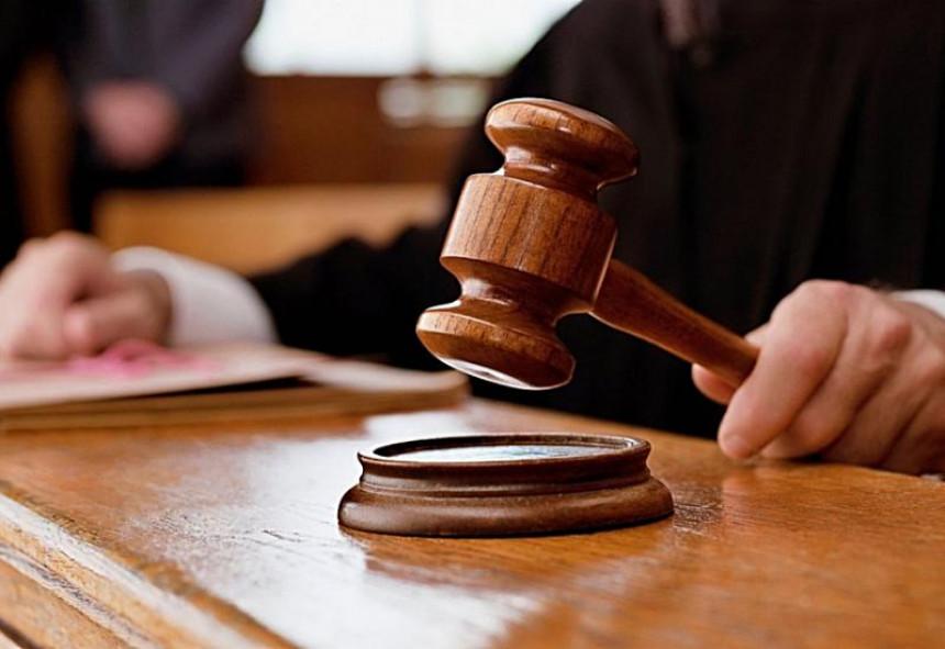 U BiH zakoni važe za građane, ali ne i za političare?!