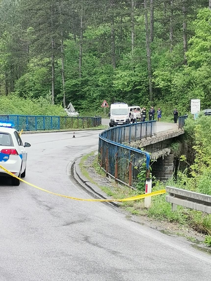 Automobil završio u rijeci Rzav, poginula žena