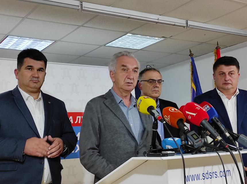 Od Dodika ni riječi o protestu zbog vježbe na Manjači