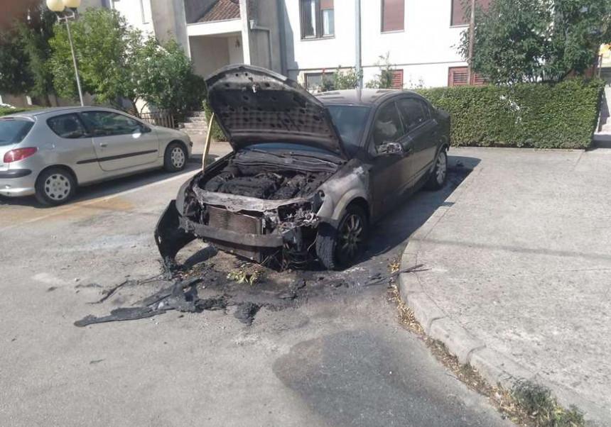 Otkriveno ko je bivšem direktoru HET-a zapalio auto