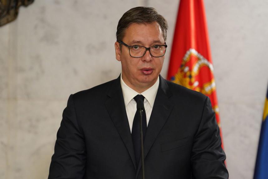 Vučić poručio da je Srbija protiv promjene granica