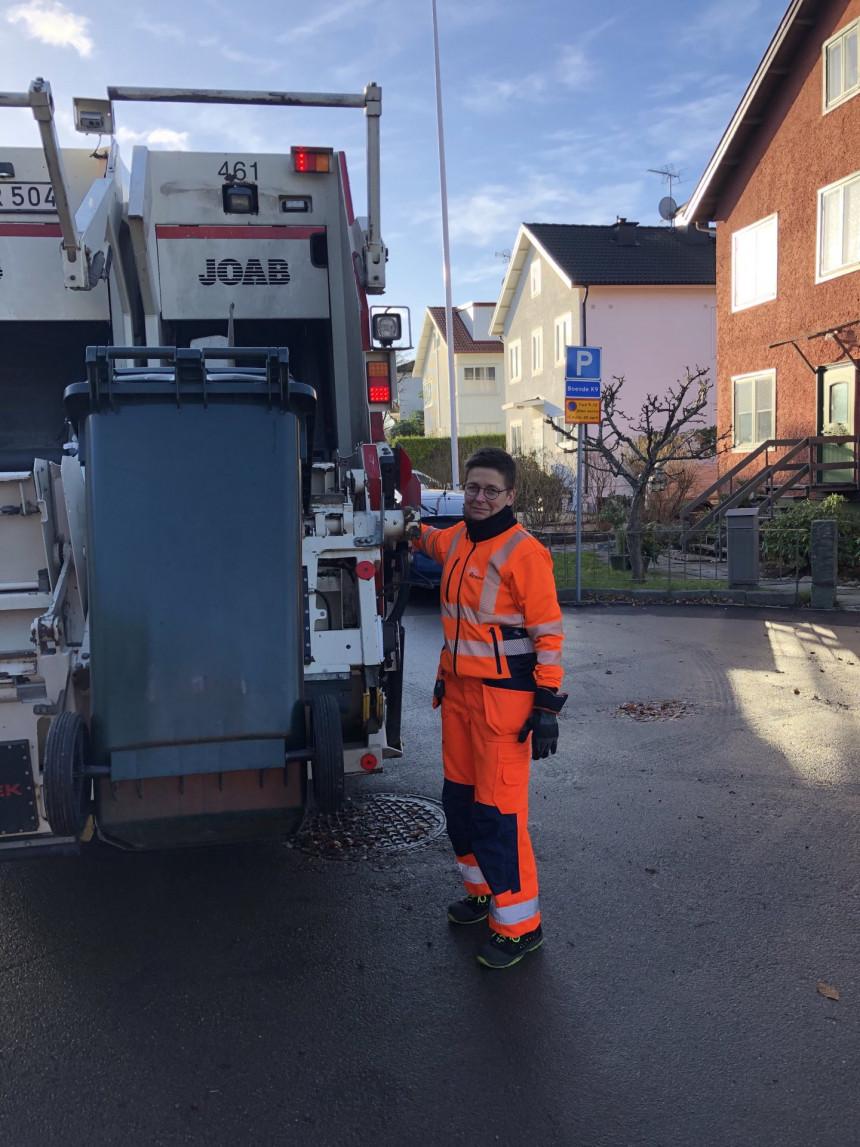 Bivša gradonačelnica Geteborga sad vozi đubretarski kamion!