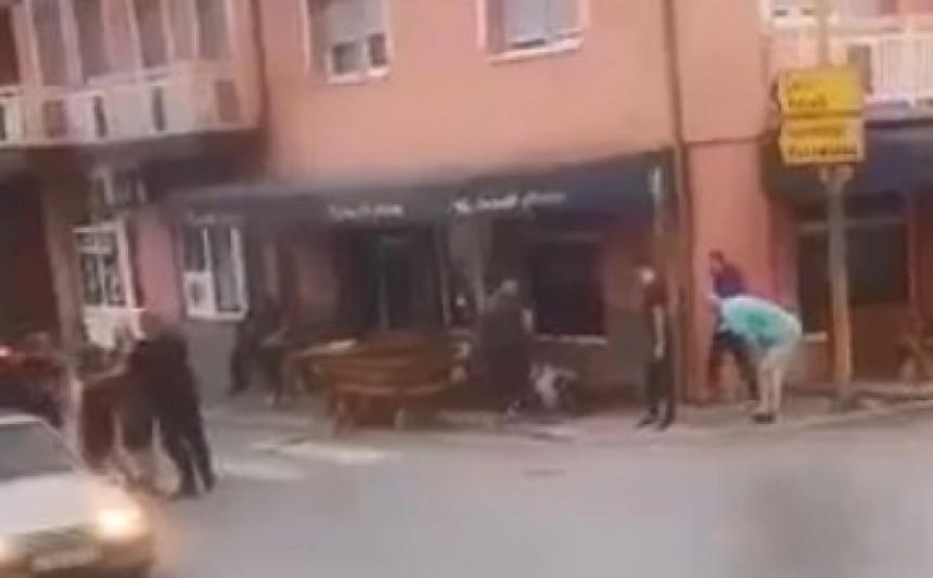 Vozilom pokosio pješake na terasi kod Brčkog (VIDEO)