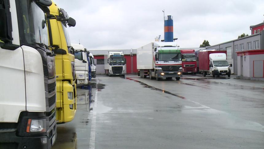 Uskoro kamione neće imati ko da vozi, vozači odlaze
