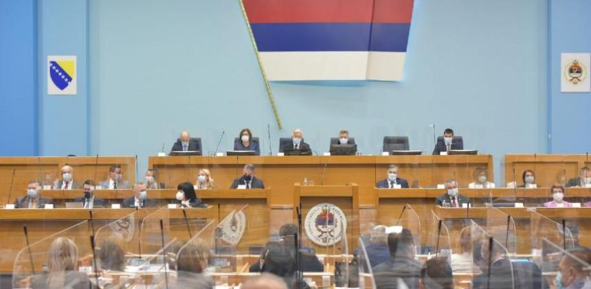 Parlament Srpske usvojio set zakona o povećanju plata