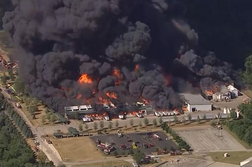 Експлозија у погону фабрике, евакуисани људи (ВИДЕО)