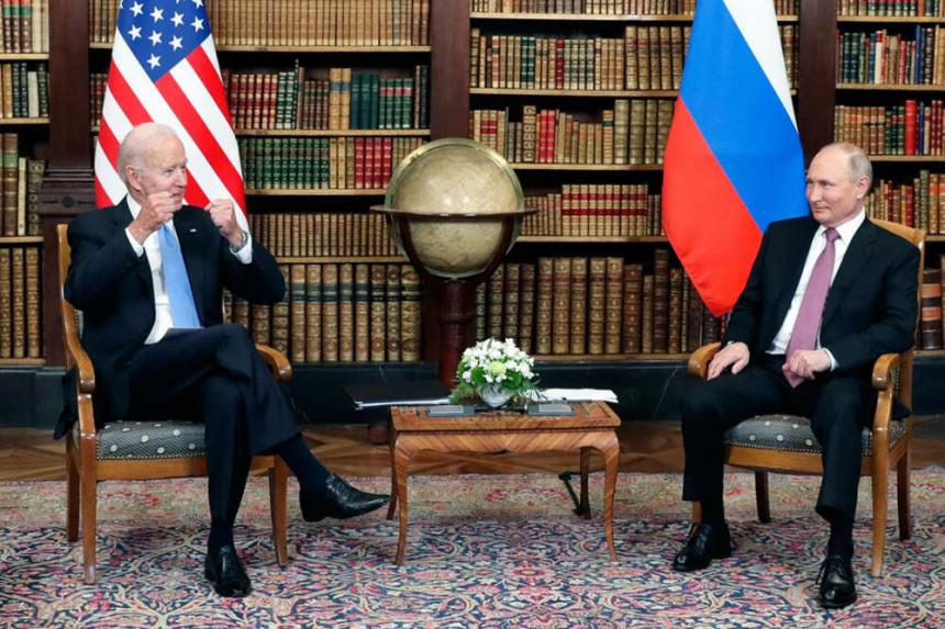 Govor tijela dva lidera Bajdena i Putina rekao sve