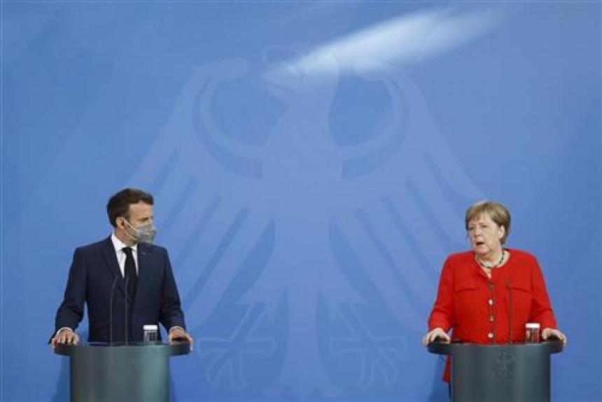 Makron i Merkel razgovarali o evropskoj odbrani