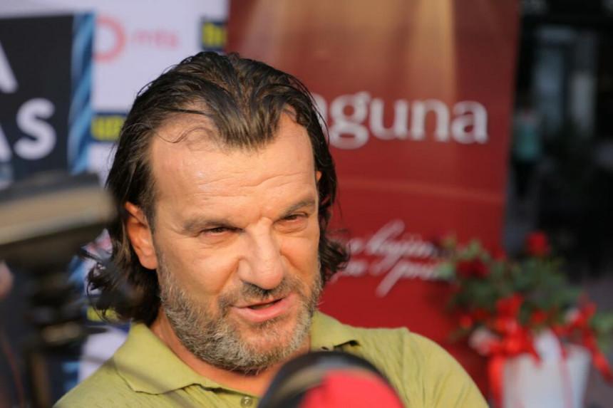 Aca Lukas: Avion crnogorske vlade dolazio po mene
