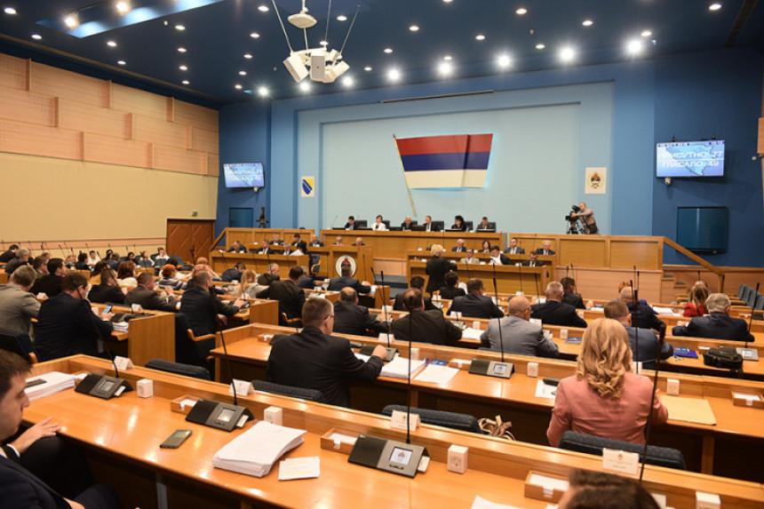 200 političara obavlja dvije ili više javnih funkcija