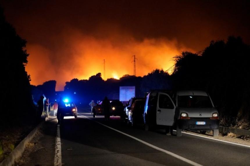 Požari zahvatili rekordne površine u Italiji (VIDEO)