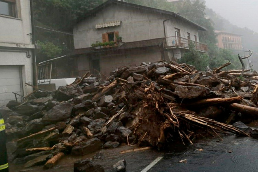 Italijanski grad blokiralo olujno nevrijeme