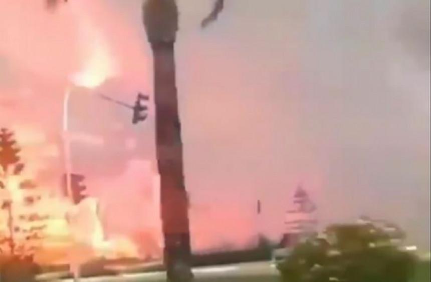 Požari bukte u Turskoj, vatra sve bliža ljetovalištu