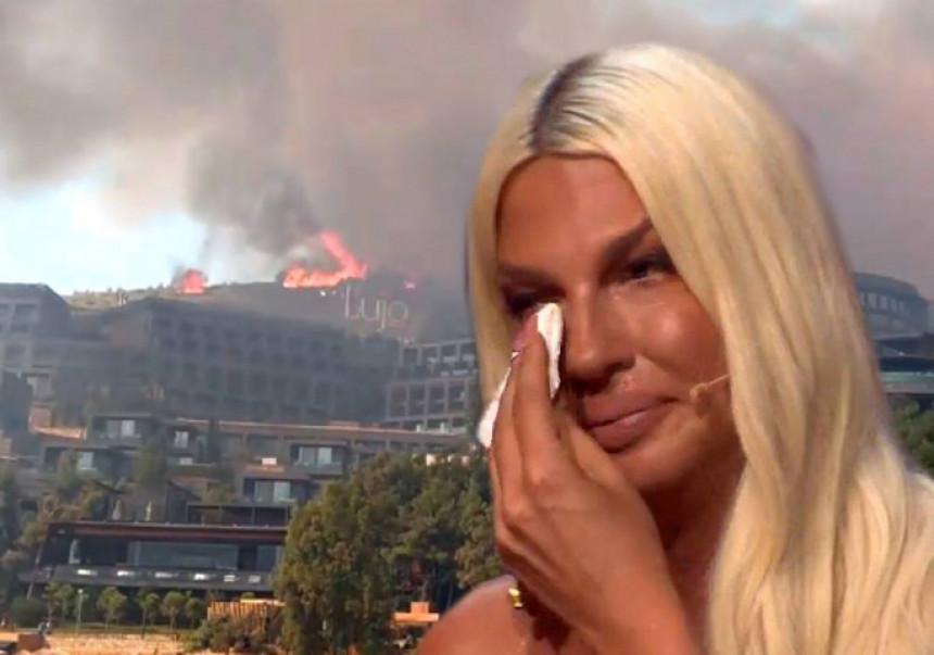 Јелена Карлеуша евакуисана из хотела због пожара