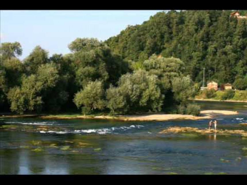 Petogodišnjak se utopio oko ponoći u rijeci Una