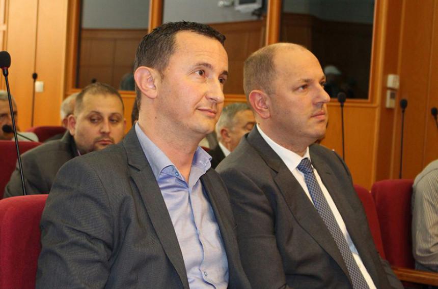 Лука Петровић: Плаћамо медије да би се чула истина?!