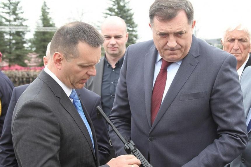Nismo posvađani, Dodik imao operaciju vilice