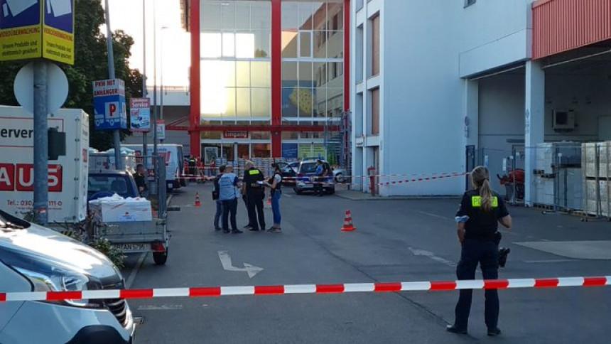 U Berlinu četiri osobe ranjene ispred prodavnice