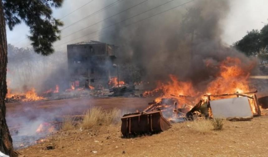 U Turskoj i dalje gori, vatrena stihija odnijela šest života (VIDEO)
