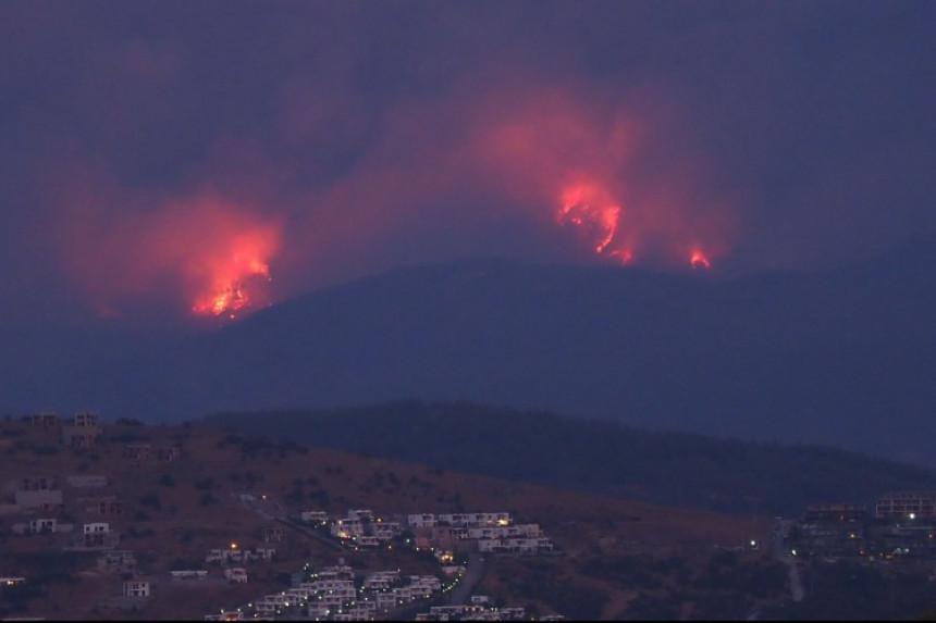Požar kod Trogira: Branićemo kuću po kuću cijelu noć