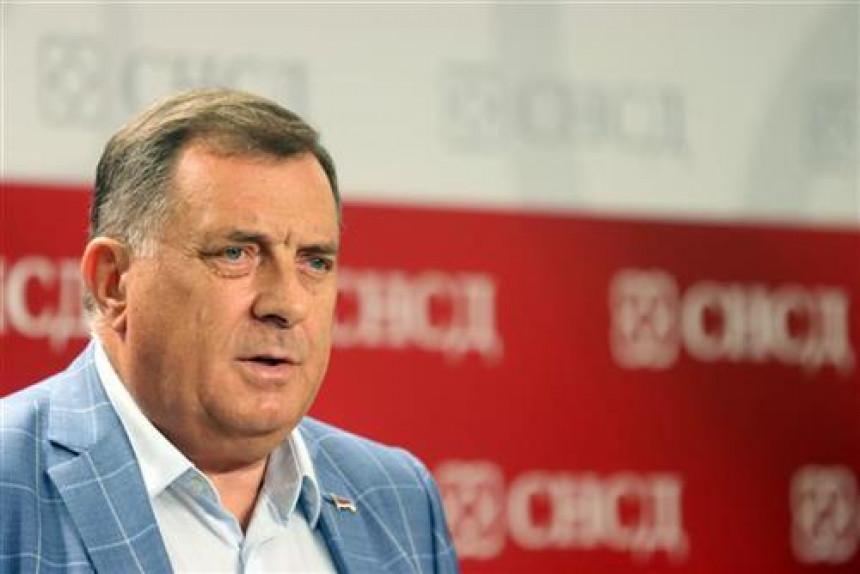 Za Dodika Šmit prihvatljiv kao predstavnik Kvinte