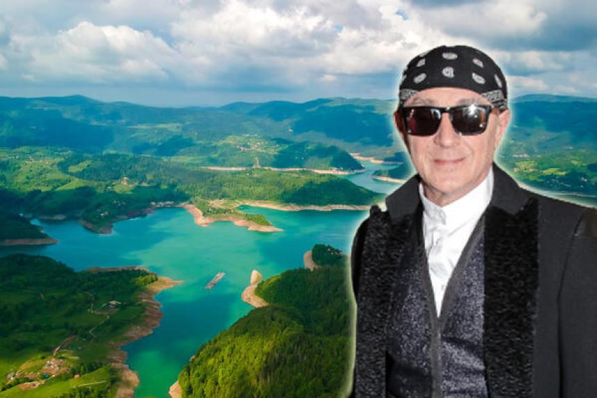 Oliver Mandić na Tari napravio raj na zemlji!