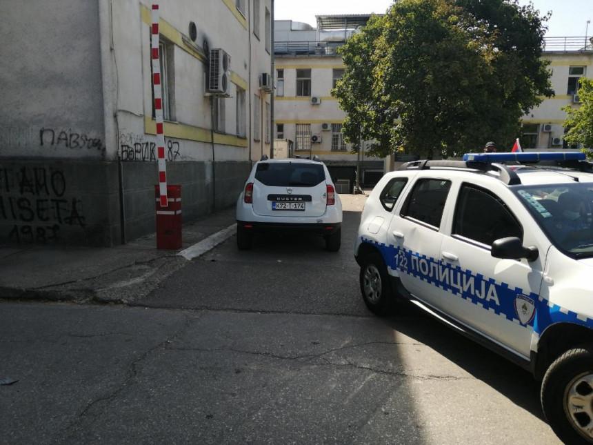 Uhapšena lica u policiji - Dodik pita: Zašto baš danas?