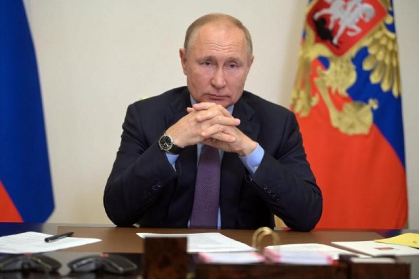 Putin: Na desetine ljudi oko mene je zaraženo