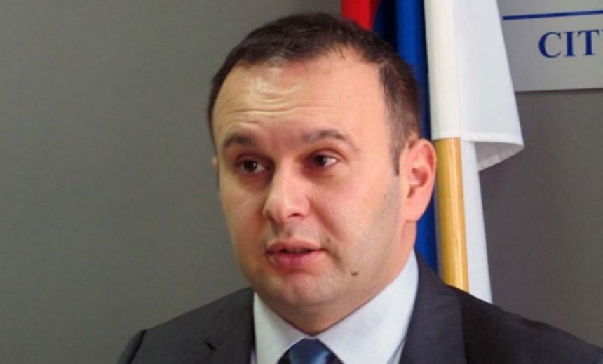 "Ljubiša Ćosić pijan napao ženu u ""Yu baru"" u I. Sarajevu"