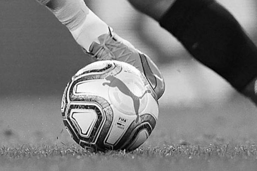 Mladi fudbaler umro usred utakmice
