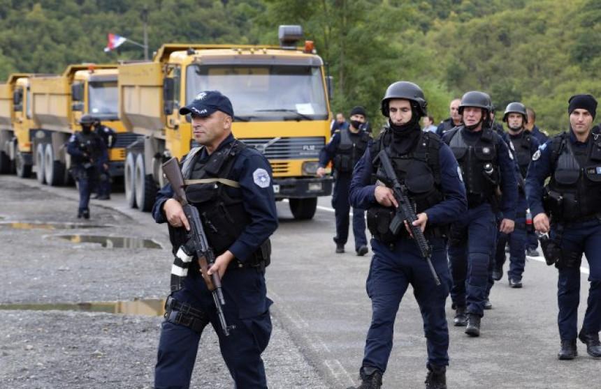 Kosovska policija bacila suzavac na Srbe u Jarinju