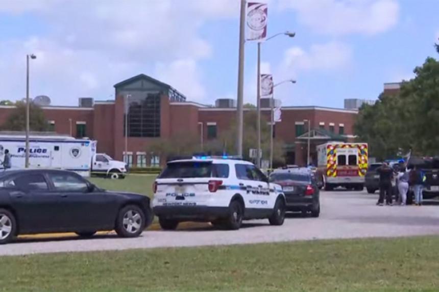 Pucnjava u srednjoj školi u Virdžiniji, dvoje ranjeno