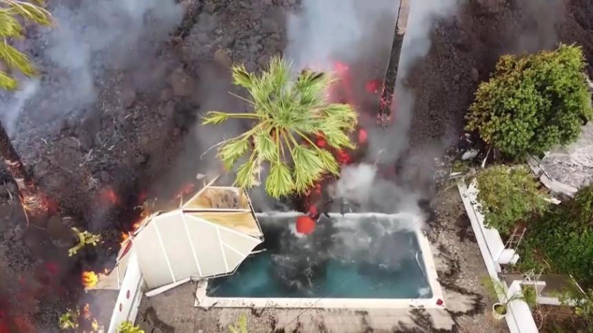 Вулканска лава гута куће, штета у милионима евра