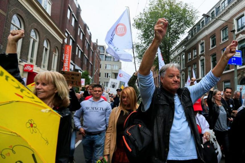 Kovid propusnice natjerale građane da izađu na ulice
