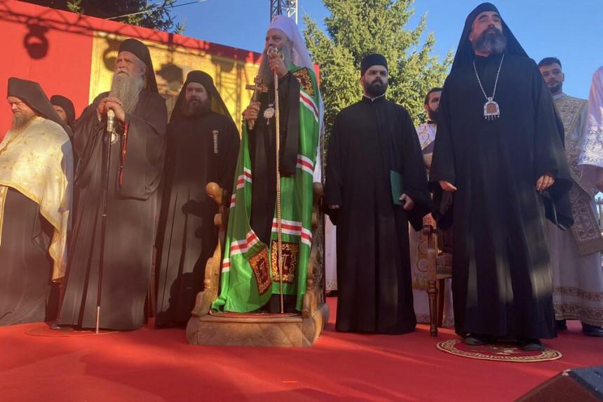 Porfirije i Joanikije stigli u manastir Ðurđevi stupovi