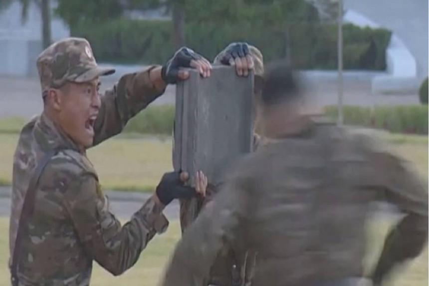 Sjevernokorejski vojnici glavom razbijali blokove