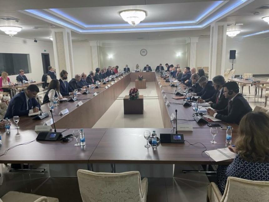 Većina ambasadora odbila poziv Milorada Dodika