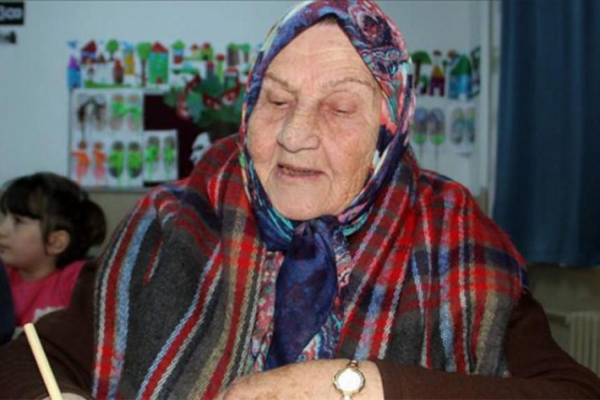 Krenula u školu u 92. godini života
